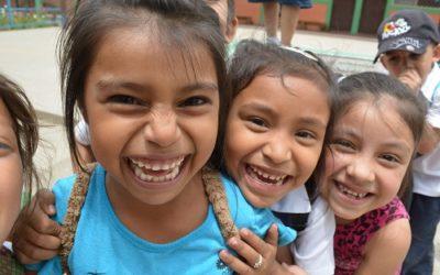 Con solo 1€ ayuda a un niño a tener un futuro mejor.